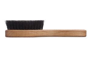 Компактная щётка с ручкой для бороды_чёрная щетина_фото сбоку